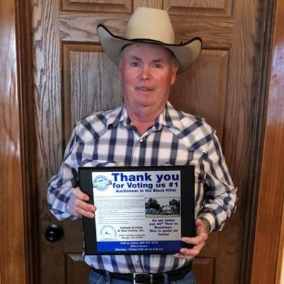 Jerry Casteel with the 2019 Best of the Black Hills award.