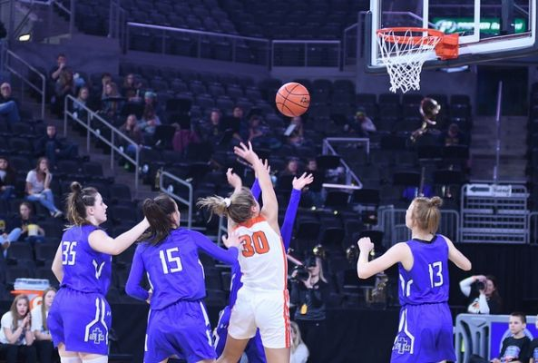 St Thomas More had no answers as they fell to Lennox in the opening round of the Girls Class A State Tournament Thursday.