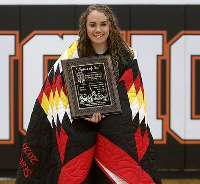 Sydnie Schauer of Faith High School, winner of the Spirit of Su Award in Class B Girls.